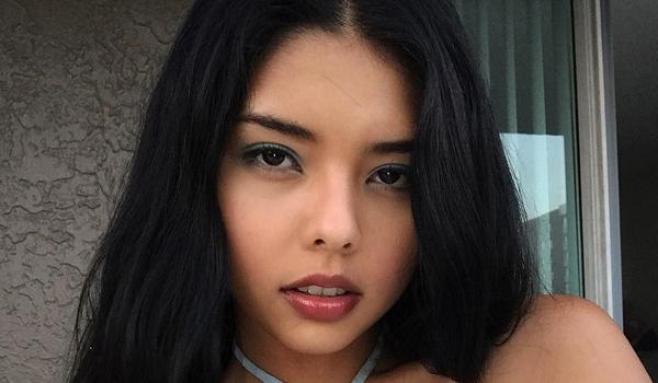 Nicole Esparza InstaBiography